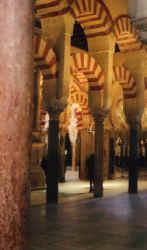 mezquita8.jpg (39020 Byte)