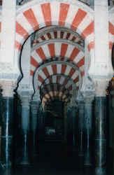 mezquitaboegen.jpg (43741 Byte)